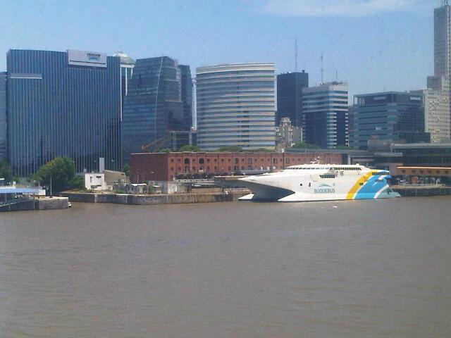 mit dem Speedboat nach Uruguay