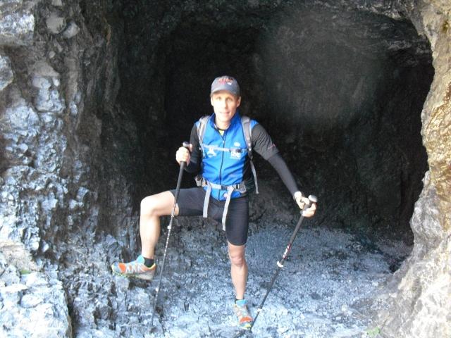 In den Fels geschlagener Pfad Richtung Italien (Schlinigpass)