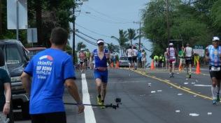 Hawaii Ironman WM 2014- Auf dem ali i drive mit Bonner Unterstützung ins Ziel