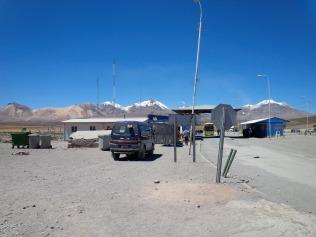 Warten am Grenzübergang Chile-Bolivien