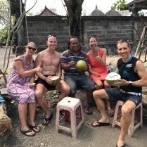 """Ausflug zum Strand - natürlich erstmal eine frische """"young coconut"""""""