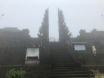 An diesem Tempel betete Kadek für unseren sicheren Aufstieg und dankte der Natur für Ihre Gaben