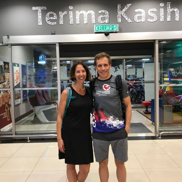 Erster Einkauf im Tesco Supermarkt