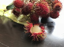 Frucht: Rambutan - an jeder Ecke in Malaysia zu fnden und sehr lecker