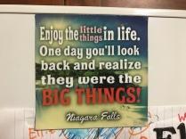Dieser Spruch klebte am Kühlschrank unserer Airbnb Gastgeberin