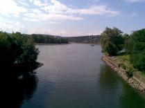 Und das ist die Wiedmündung in den Rhein - die an der Quelle nur aus einem Rinnsal besteht
